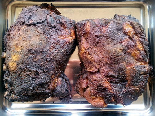 Nacken für Pulled Pork fertig gegrillt.