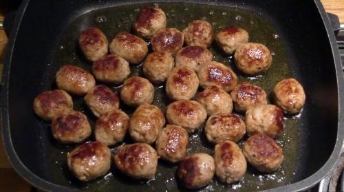 Köstliche kleine Wurstbrätfrikadellen.